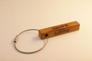 Schlüsselanhänger aus Holz  | Eichen | 2-Seitiger Wunschbeschriftung zum Geburtstag, als Gastgeschenk oder zu Weihnachten (Kopie id: 100149953)