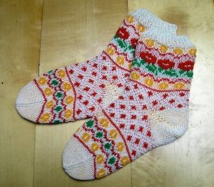 Herbstblumen, Strickanleitung für Socken in Fair-Isle-Technik