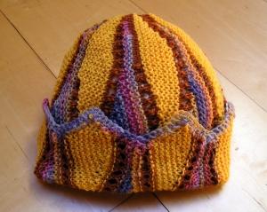 Sonnenschein, Strickanleitung für eine Mütze im Zick-Zack-Muster