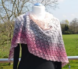 Gehäkeltes Dreieckstuch aus Baumwolle 100 %