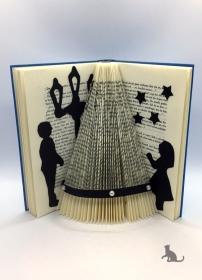 gefaltetes Buch ☆ Weihnachtsbaum ☆ mit blauem Einband und Dekosteinen in Handarbeit verziert kaufen