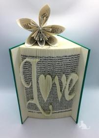 gefaltetes Buch mit Schrift ♥ Love ♥ mit festem Einband und mit Dekosteinen in Handarbeit verziert kaufen