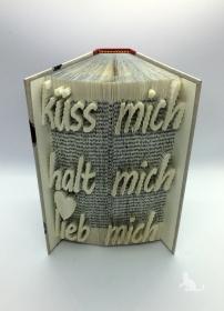 gefaltetes Buch mit Schrift ♥ Küss mich Halt mich Lieb mich ♥ mit festem Einband und Dekosteinen in Handarbeit verziert