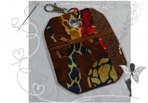 Praktischer Schlüsselanhänger mit Chiptäschchen im Safari-Lock,Giraffen-Motiv - Handarbeit kaufen