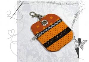 Schicker kleiner Schlüsselanhänger und  Chiptäschchen ,orange mit schwarzer Spitze - Handarbeit kaufen