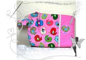 Süße,kleine,rosa Kulturtasche mit bunten Vögeln - Handarbeit kaufen
