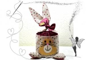 Kleines, dekoratives Osternest  im Osterhasenlook