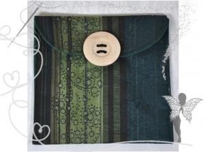 Praktische,schöne Maskentasche,Maskenetui, für FFP2 Masken,grün,Ornamente - Handarbeit kaufen