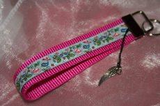 Mit Liebe gefertigter , verspielter - Schlüsselanhänger in Pink