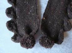 Rustikaler Tweed-Schal mit Blattbordüre