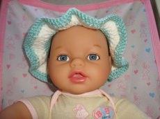 Süße Hütchen für kleine Puppenzwillinge