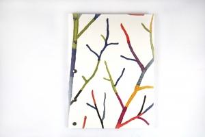 Handgemachtes Gästebuch im DIN A 4 Hochformat mit fröhlich bunten Zweigen als Motiv
