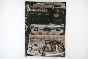 Handgemachtes Gästebuch im DIN A4 Hochformat mit nostalgischen Koffern als Motiv