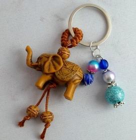 Schlüssel - Taschenanhänger, Glücks Elefant, Holz , Perlen blau, Asian Style, Elefanten Anhänger,Holzanhänger,Schmuck mit Elefant,Glücksbringer
