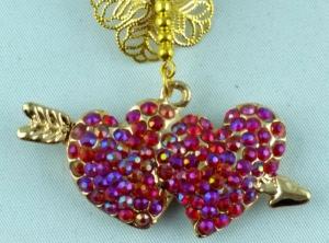 Handgefertigter  Herzanhänger  mit roten Strass Steinen und Perlen einkaufen - Schlüsselanhänger Taschenanhänger EINZELSTÜCK