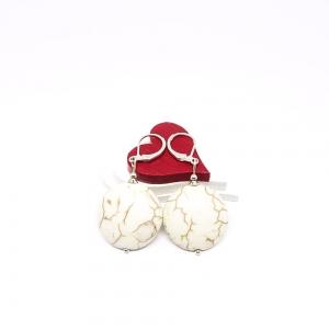 ♥ Silberfarbene Ohrringe – synthetischer Türkis in flachrunder Form ♥