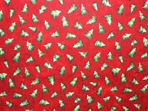 Baumwollstoff mit kleinen Tannenbäumen auf rotem Grund - Handarbeit kaufen