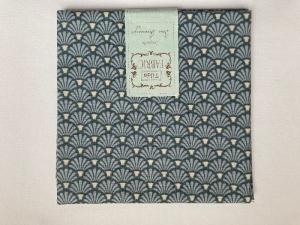 Tilda Fat Quarter blau mit Fächermuster