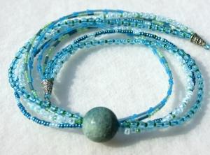 5-reihiges Collier KASKADE Glasperlen Schaumkoralle blau türkis grün