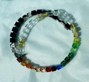 Halskette SCHWARZ-WEISS-BUNT Würfel Glas Silberfolie Cateye fröhlich leicht - Handarbeit kaufen
