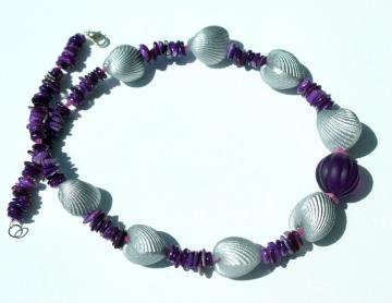 Halskette SILBER-MUSCHELN Perlmutt Resin Kunststoff Unikat ausgefallen extravagant lila