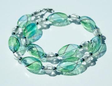 Kette Perlen aus mundgeblasenem Glas blau grün Hämatit Silberfolie Edelstahl