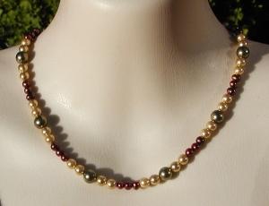 Halskette Muschelkern - und Zuchtperlen in warmen Farben