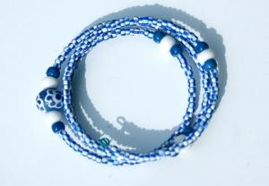 Spiral-Armband AFRIKA blau-weiß - Handarbeit kaufen