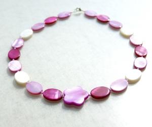 Halskette ROSA BLUME Perlmutt leicht verspielt  - Handarbeit kaufen