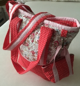 Reise- und Einkaufsshopper in Rot mit extra Täschchen aus Baumwolle