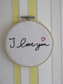 Stickrahmenbild : Ich liebe dich  - Stickbild  - handgemachte Geschenke - Liebeserklärung - Muttertag - Muttertagsgeschenk - Handarbeit kaufen