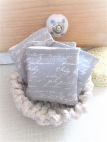 nachhaltige Kosmetikpads  Miniwaschlappen  wiederverwendbare Abschminkpads  zero waste  Make Up Entferner - Schrift - Handarbeit kaufen