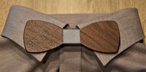 Holzfliege aus Walnussholz  Herren-Fliege mit elegantem Stoffband grau handgefertigt Shabby Chic Querbinder Bräutigam Hochzeit