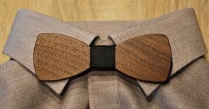 Holzfliege aus Walnussholz Herren-Fliege mit elegantem Stoffband schwarz handgefertigt Shabby Chic Querbinder Bräutigam Hochzeit