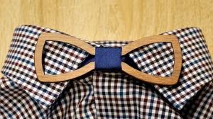 Holzfliege für Männer Herren-Fliege mit Ausschnitt und elegantem Stoffband blau handgefertigt Shabby Chic Querbinder Bräutigam Hochzeit