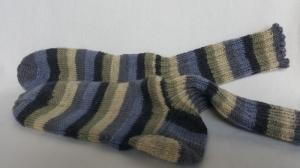 handgestrickte warme Socken in Gr. 36/37, grün/grau gestreift