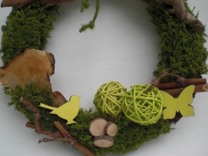 natürlicher Türkranz, Mooskranz, Frühlingskranz mit Naturmaterialien
