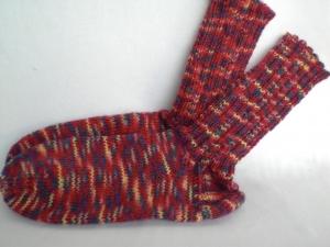 rote handgestrickte warme Socken in Gr. 32/33 kaufen - Handarbeit kaufen