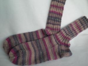 handgestrickte warme Wollsocken in Gr. 34/35 lila/altrosa/beige - Handarbeit kaufen