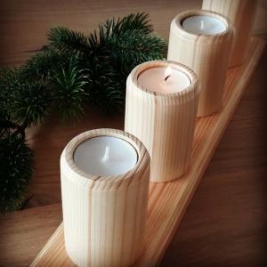 Adventskranz aus Holz mit gedrechselten Teelichthaltern (für Teelichte 4 cm) kaufen