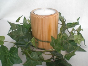 gedrechselter Teelichthalter aus Holz für Jumbo-Teelichter - Handarbeit kaufen