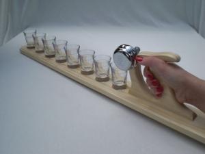 Schnapsmeter mit Klingel  in Handarbeit aus Holz hergestellt, mit 8 Schnapsgläsern, Partyspaß  - Handarbeit kaufen