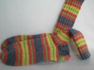 handgestrickte warme Socken in Gr. 38/39, bunt gestreift, kaufen  - Handarbeit kaufen