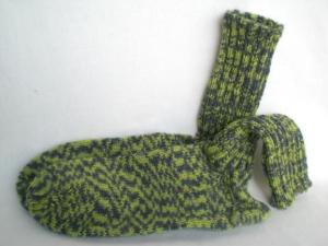 handgestrickte warme Socken in Gr. 34/35, grün/grau kaufen  - Handarbeit kaufen