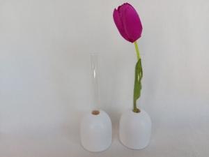 2er Set einzelne weiße kleine Holz-Vasen mit kl. Reagenzglas, 5 cm, ohne Blumen, Tischdeko, kaufen - Handarbeit kaufen