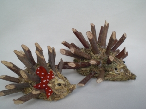 1 Paar Igel aus Heu (Mann und Frau) zur Dekoration handgefertigt aus Naturmaterial kaufen - Handarbeit kaufen