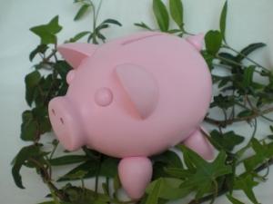 gedrechseltes Sparschwein aus Holz in rosa Glücksschwein kaufen - Handarbeit kaufen