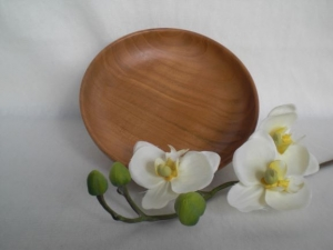 gedrechselte kleine Schale aus Kirschbaumholz, 13,5 cm, handgearbeitet kaufen  - Handarbeit kaufen