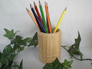 Stiftebox aus Holz, gedrechselt incl. 12 Buntstiften, Handarbeit kaufen - Handarbeit kaufen