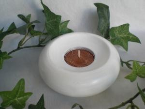 kleiner runder gedrechselter Teelichthalter in weiß kaufen - Handarbeit kaufen